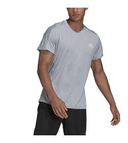 Camiseta-Manga-Corta-adidas-para-hombre-Own-The-Run-Tee-para-correr-color-gris.-Frente-Sobre-Modelo