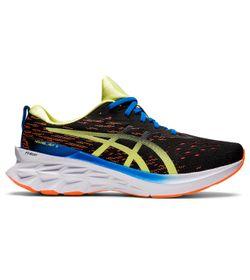 Tenis-asics-para-hombre-Novablast-2-para-correr-color-negro.-Lateral-Externa-Derecha