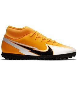 Guayos-nike-para-hombre-Superfly-7-Club-Tf-para-futbol-color-naranja.-Lateral-Externa-Derecha